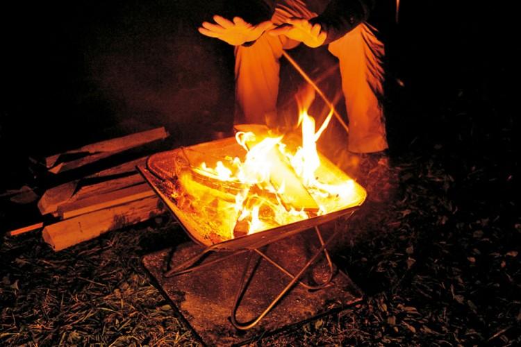 焚火台の画像